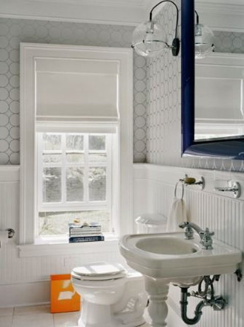 Ideas for Choosing and Protecting Bathroom Paint