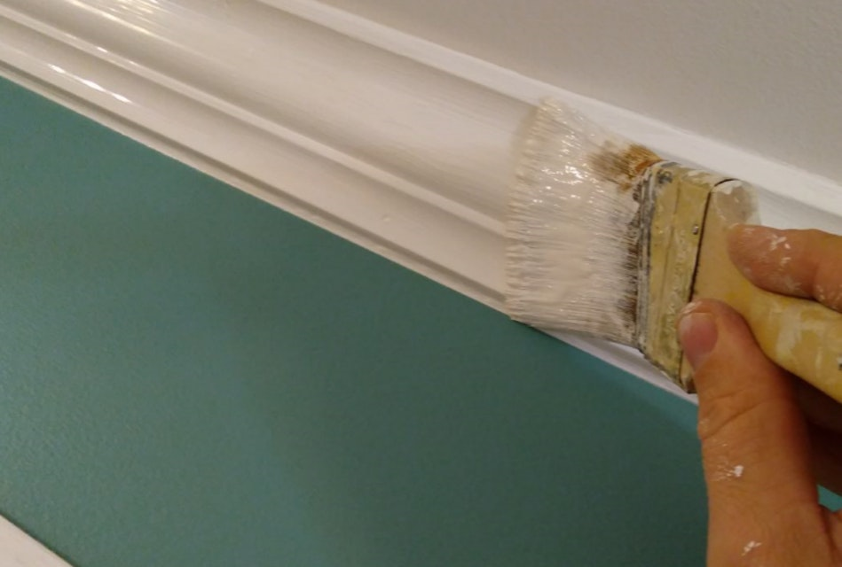 How to Touch Up Your Interior Wall Paint