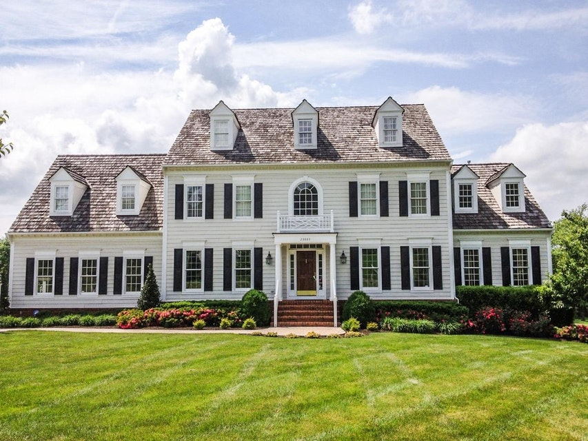 Classic Exterior Color Choices for Your Northern Virginia Home