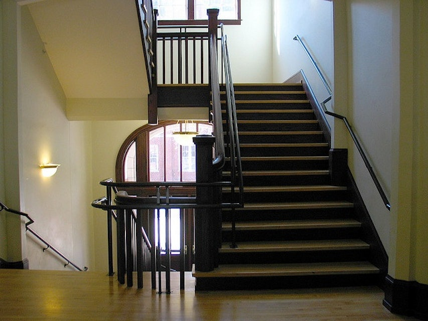 Fantastic Flights: Painting Tips For Your Northern VA Commercial Stairwell