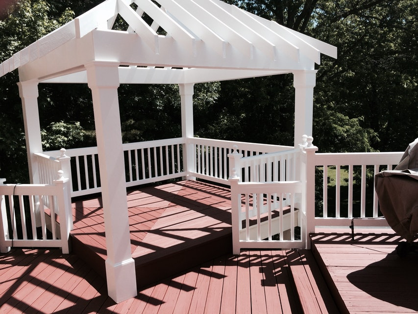 Can I Apply Deck Stain with a Roller? Deck Staining Tips