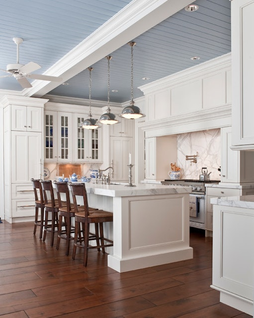 Dissecting a Room: A Classic Kitchen with a Twist